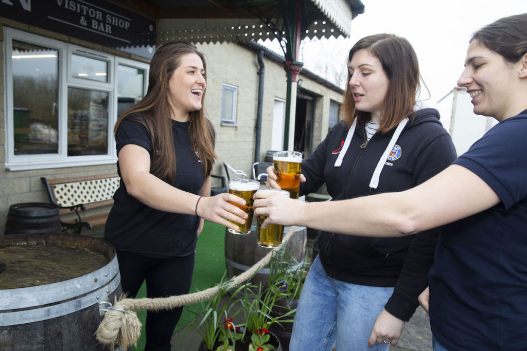 Bath Rugby Ladies celebrate 15 years with a signature brew of Piston Broke